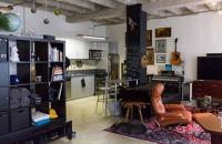 Un studio pentru un gentleman celibatar