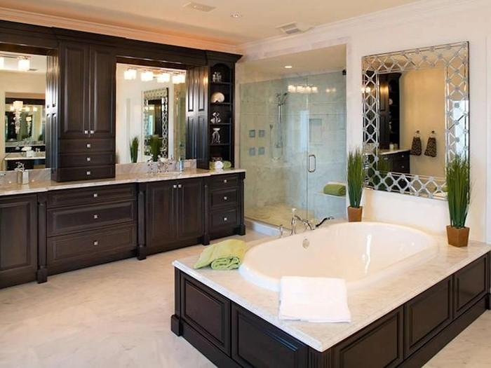 Optimizează spațiul de depozitare din baie