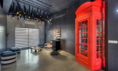 Deseuri reciclate in mod creativ pentru amenajarea unui birou