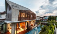 Design modern pentru un bungalou modest Casa Siglap Plain din Singapore beneficiaza de o reinterpretare moderna