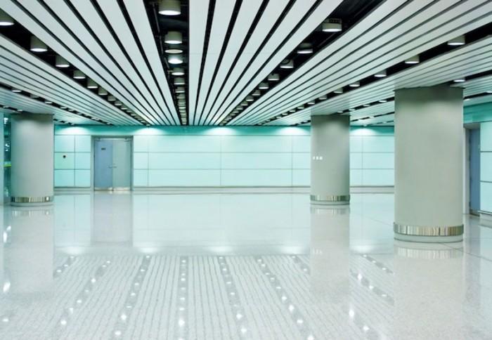 Avantajele tavanului metalic