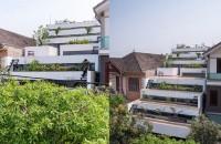 O casa cu terase ce combina arhitectura cu agricultura urbana Echipa de la H&P Architects a decis sa se inspire din relieful plantatiilor de orez pentru a compune forma terasata a casei din orasul Ha Tinh, Vietnam.