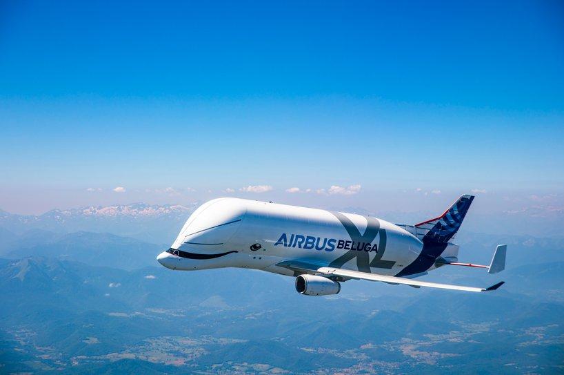 Un delfin alb în cer: Uriașul Beluga XL de la Airbus a efectuat primul zbor