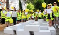 20 de elevi din Constanta au realizat in premiera un proiect de design inedit pentru curtea