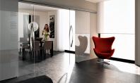 Același spațiu mai multe încăperi – compartimentarea cu pereți din sticlă securizată Proprietățile speciale ale sticlei