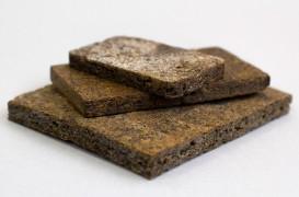 Plăcile din coji de cartofi, o alternativă la PAL și MDF prietenoasă cu mediul