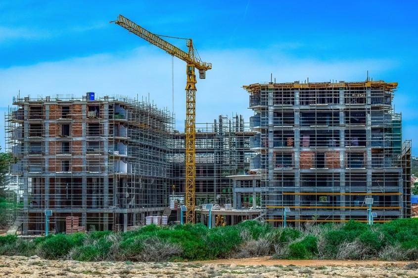 Patronatele din Construcţii fac apel la responsabilitate pentru angajatori