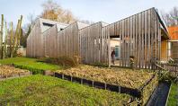 Casa pasiva foloseste energia soarelui ce strabate prin acoperisul in zig-zag Firma de proiectare de arhitectura