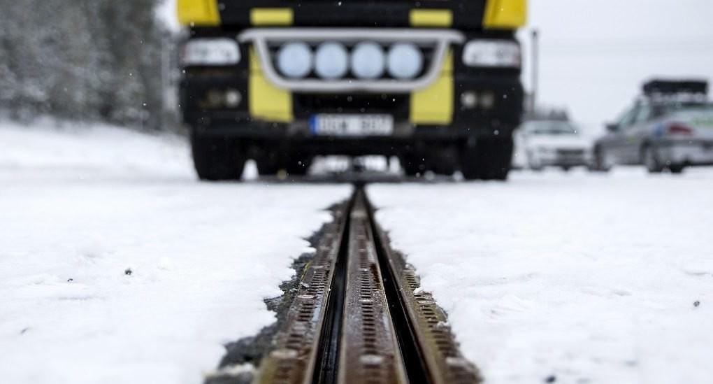 Primul drum electrificat pentru încărcarea mașinilor electrice a fost deschis în Suedia