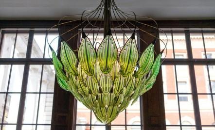 Candelabrul cu alge care purifică aerul - un corp de iluminat cu adevărat inedit!