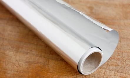 La ce mai poti folosi folia de aluminiu? Afla 7 idei practice aici