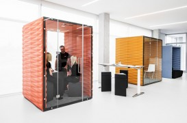 Cabine izolate fonic transformate în spații de lucru private pentru birourile în plan deschis