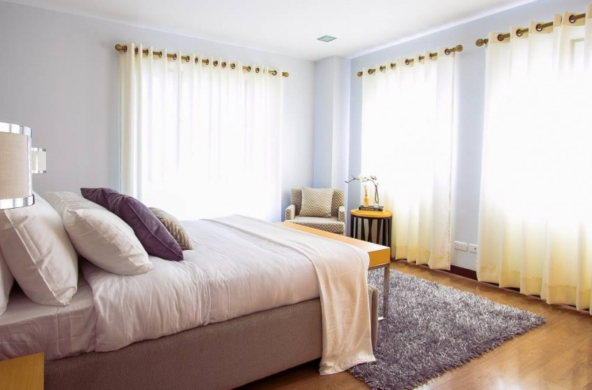 Aerul curat și temperatura potrivită sunt aliații unui somn sănătos