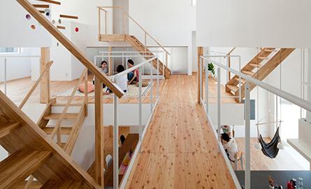 O casa cu 13 dormitoare, o noua viziune asupra trailui in comun