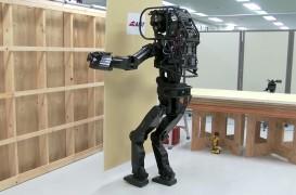 Robotul care montează impecabil placi din gips carton și ne arată cam cum va fi viitorul