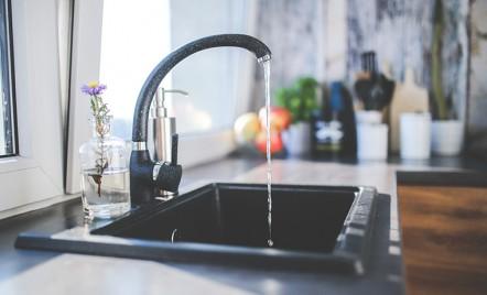 Alimentarea cu apa: zgomotul robinetelor si debitul din circuit