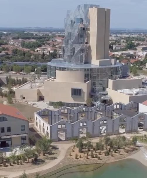 Un turn futurist inspirat de van Gogh şi de construcţiile romane, de Frank Gehry