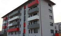 Balcoane vesele pentru un bloc nou din Cluj cu placile de fibrociment StoneREX Color Acele balcoane