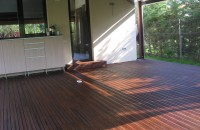 Decking-ul din lemn pentru exterior - opțiunea cea mai elegantă pentru casă Pentru a realiza amenajari exterioare care sa va multumeasca pe termen lung, trebuie sa stiti ca nu orice se potriveste pentru a fi inclus in design-ul