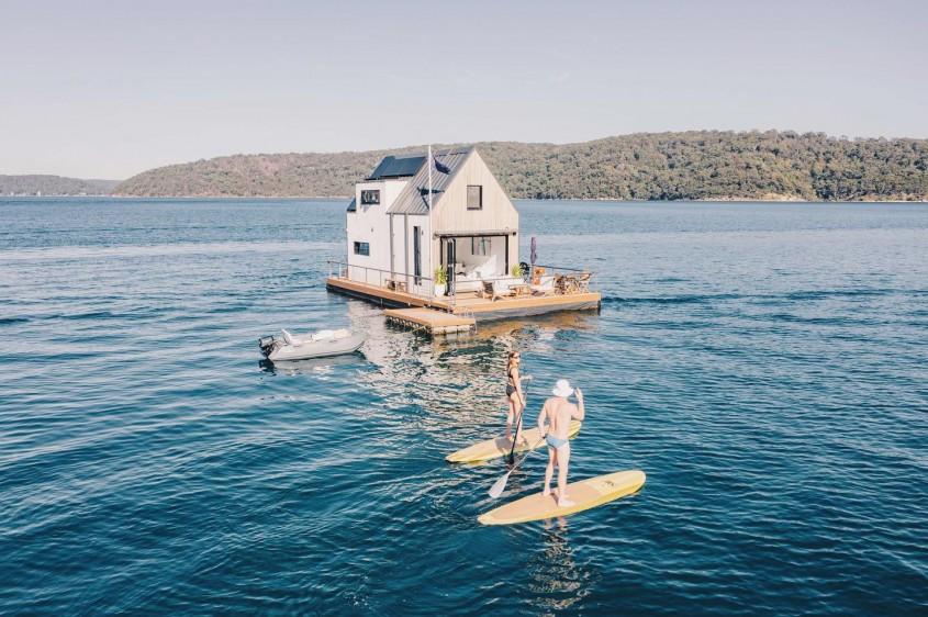 O vilă plutitoare alimentată cu energie solară este refugiul ideal