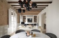 Un apartament cochet in Barcelona Acest apartament din Barcelona se remarca prin detalii arhitecturale deosebite, o paleta cromatica neutra si o gama variata de mobilier si accesorii de la Minotti.