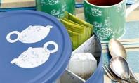 Cutia de metal pentru prajiturele devine cutia pentru ceai Cu totii avem plicuri de ceai in
