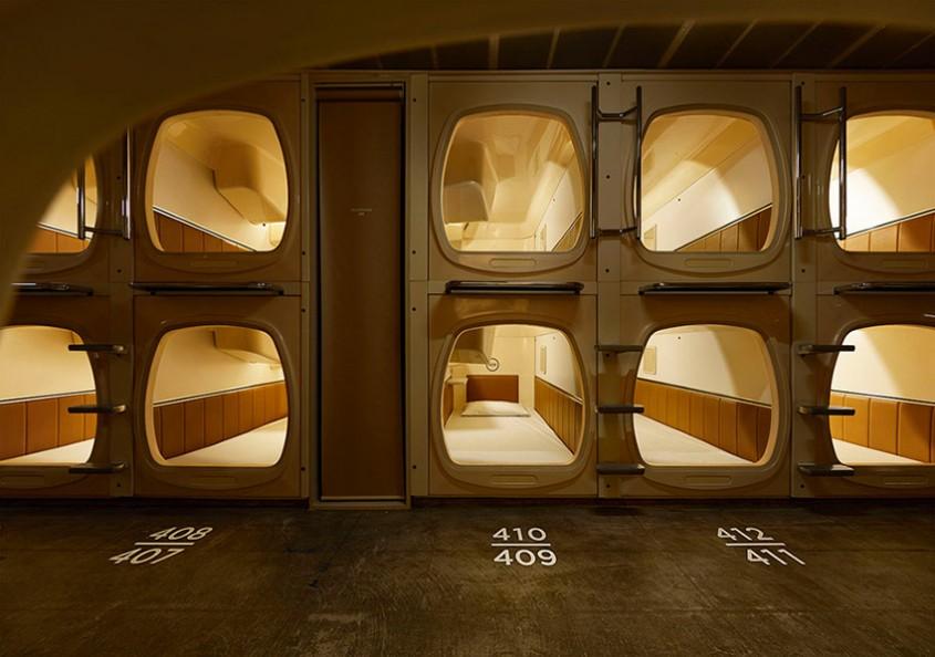 Hotelul capsulă din Tokyo cu un design contemporan, dar modern cu mai multe saune
