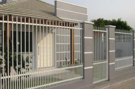 Cu ce alegi sa iti imprejmuiesti casa? Gaseste aici o gama larga de garduri porti si