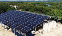 Un sistem alimentat cu energie solară transformă apa sărată în apă de băut pentru zeci de