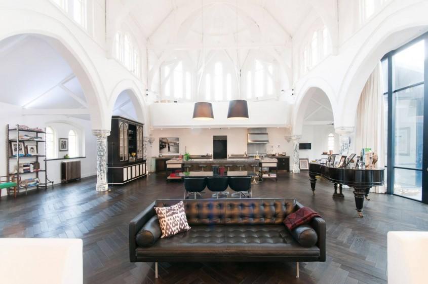 Spatiul unei biserici este acum o locuinta generoasa
