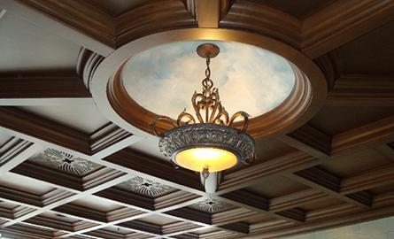 Decorarea tavanului în spaţii cu pereţi înalţi. Idei şi sfaturi