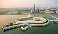 Alvaro Siza finalizeaza constructia unei fabrici pe un lac artificial din China Primul proiect al arhitectului