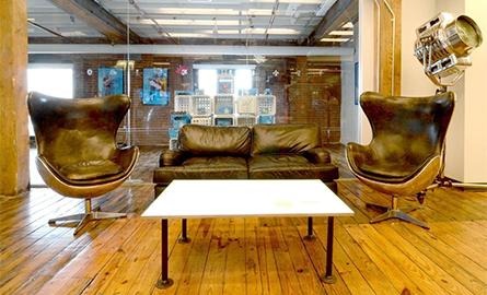 Design industrial autentic pentru birourile companiei Quirky