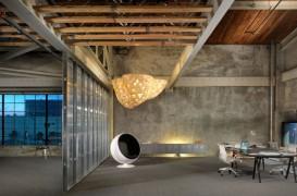 IwamotoScott transforma un depozit din 1940 intr-un sediu de birouri modern