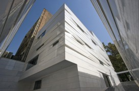 O noua interpretare pentru arhitectura iraniana realizata de RYRA Studio