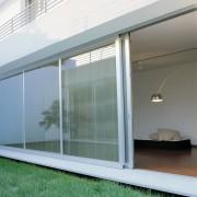Un sistem perfect pentru umbrirea ferestrelor - jaluzele integrate ScreenLine