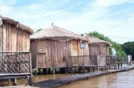Cinci locuri cu case lacustre