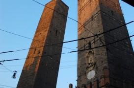 Turnurile inclinate din Bologna