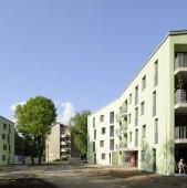 Arhitectural e o reusita dar s-a ratat realizarea unor spatii urbane coerente Au ramas bietii locuitori