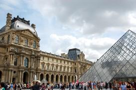 Istorie si modernism in acelasi spatiu: arhitectura muzeului Luvru