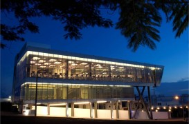 Centru de fitness intr-o forma arhitecturala contemporana