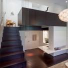 Din putin, mai mult. Un apartament din New York demonstreaza preocuparea pentru minimalism a ultimilor ani