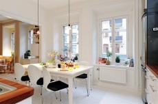 Inspiratie pentru familisti. Design accesibil, confortabil si practic, pentru un apartament cu patru camere
