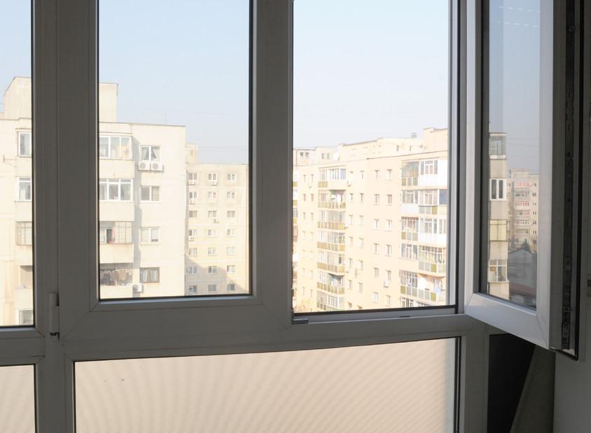 Inchiderea balconului: de ce sa va ganditi bine inainte de a incepe lucrarile