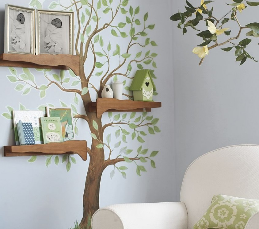 Un copac cu rafturi