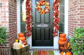 Si usa de la intrare poate fi decorata. Idei de toamna