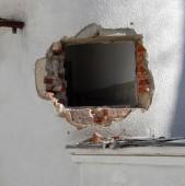 E nevoie de autorizatie pentru a demola o debara?