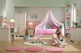 Camere feminine. Aranjamente armonioase pentru incaperea destinata oricarei fetite sau domnisoare