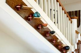 Rafturi pe diagonala, decorative pentru o scara interioara