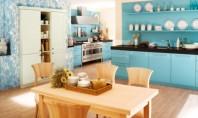 Bucătării albastre Desi ideea unei bucatarii albastre este destul de neobisnuita iata ca sunt destui designeri